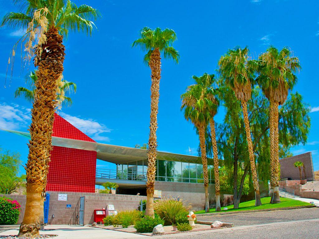 ridgeview-resort-clubhouse