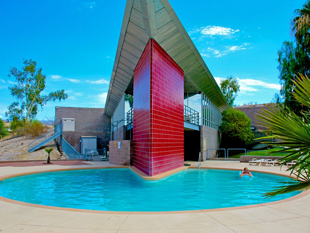 ridgeview-rv-resort-pool-jacuzzi